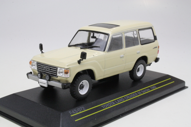 Toyota Land Cruiser 1982, beige