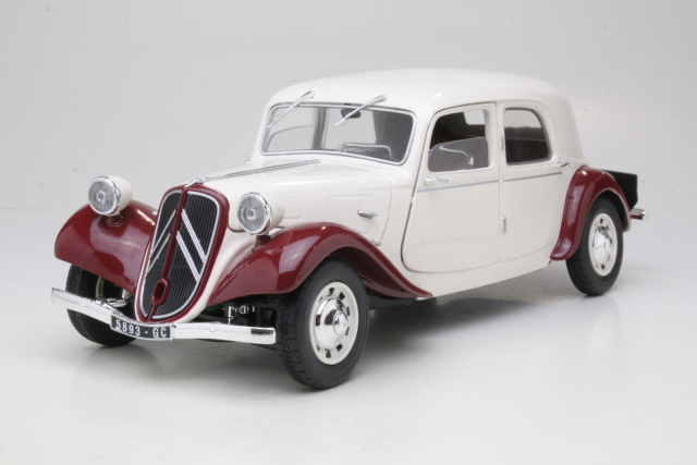 Citroen Traction 11CV 1938, beige/punainen