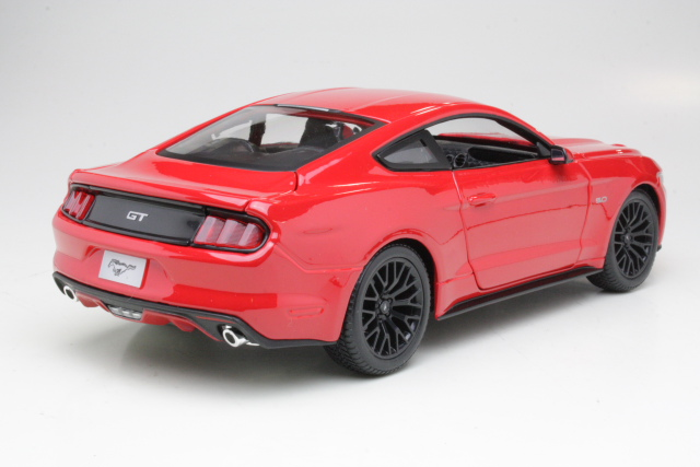 Ford Mustang GT 5.0 2015, punainen