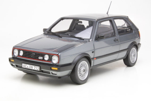 VW Golf 2 GTi 1990, harmaa